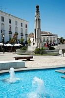 Fountain at the Praca da Republica, town of Tavira, eastern Algarve, Portugal, Europe