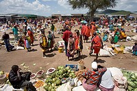 Weekly open air market in South kenya, bordering game park ´Maasai Mara´, inhabited by the massai ethnic tribe