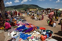 Weekly open air market in South kenya, bordering game park Â'Massai maraÂ', inhabited by the massai ethnic tribe