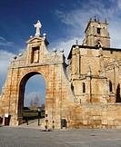 Church and village square of Sasamon, Spain, Europe