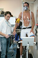 Photo essay at Rouen hospital, France. Sports medecine department. Medical exam with stress test to measure the quantity of oxygene VO2 consumed by th...