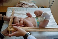 MEASURING HEIGHT, INFANT
