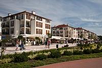Promenade in the seaside resort of Swinoujscie, Usedom Island, West Pomerania, Poland, Europe, PublicGround