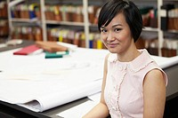 Pretty, Asian office worker (thumbnail)