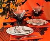 Decorative table to feast served in the style of ´Halloween´