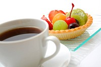 Fruit tart and coffee
