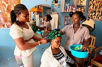 Hairdressing workshop, Lome, Togo, West Africa, Africa