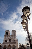 Notre Dame Cathedral and lamp, Paris, France, Europe