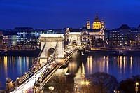 Chain Bridge and St. Stephen´s Basilica at dusk, UNESCO World Heritage Site, Budapest, Hungary, Europe
