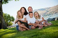 Outdoor portrait of family of five