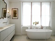 Bathroom _ refurbished Victorian family London town house in Notting Hill, LONDON, UNITED KINGDOM, Architect