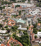 Aerial view, Paderborn Cathedral and Gaukirche Sankt Ulrich church, municipal park with the Pader springs, Paderborn, Westphalia, North Rhine-Westphal...