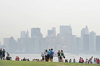 People against the Manhattan skyline, Liberty Island, New York, USA, America