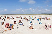Vacationers on the beach, Kniepsand sandbank, Amrum island, North Friesland, Schleswig-Holstein, Germany, Europe