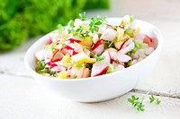 fresh radish salad with apple pieces
