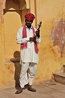 Indian musician at Amber Fort, Amber, near Jaipur, Rajasthan, North India, India, South Asia, Asia