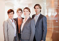 Portrait of confident business people in office (thumbnail)