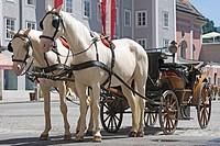 Mit dem Fiaker in Salzburg unterwegs