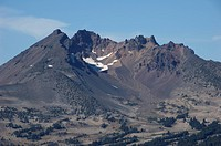 USA, Oregon, Bend, view of Broken Top from Mt. Bachelor, Cascade Range