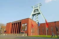 Shaft tower, German mining museum, Foerderturm, Deutsches Bergbaumuseum, Bochum, Nordrhein_Westfalen, North Rhine_Westphalia, Deutschland, Germany