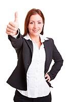 Junge Managerin hält ihren Daumen nach oben