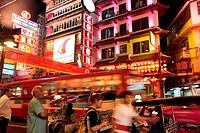 Die Charoen Krung Strasse im China Town von Bangkok der Hauptstadt von Thailand in Suedostasien.