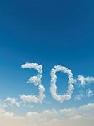 wolken bilden die zahl dreißig _ 3d illustration