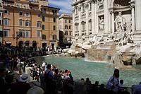 Trevibrunnen an der Piazza di Trevi in Rom _ Fontana di Trevi. Trevi Fountain at Piazza di Trevi in Rome _ Fontana di Trevi. Achtung: Nur zur redaktio...