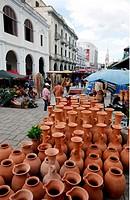 Suedamerika, Karibik, Venezuela, West, Maracaibo, Kolonial, Altstadt, Architektur, Kultur, Auto, Markt, Toeferei, Wochenmarkt, Alltag, Plaza Bolivar, ...
