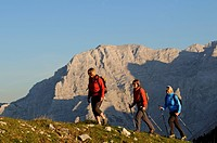 Female hikers on Mt Steinplatte, border region between Waidring, Tyrol, Austria and Reit im Winkl, Chiemgau region, Bavaria, Germany, Europe