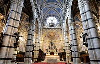 Interior view, altar area, Cathedral of Siena, Cattedrale di Santa Maria Assunta, main church of the city of Siena, Tuscany, Italy, Europe