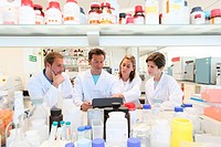 Researchers, Biological test laboratory, Tecnalia Foundation, Technology and Research Centre, San Sebastian Technological Park, Donostia, Gipuzkoa, Ba...