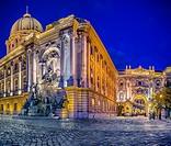 Royal Palace fountain at night