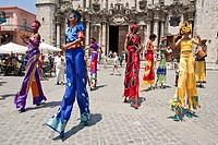 Street Entertainers, Plaza de la Catedral, Old Havana, Cuba