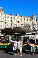Nice, the popular Liberation market, Alpes-Maritimes, French riviera, Provence-Alpes-Côte d´Azur, France.
