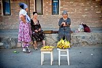 Uzbekistan, Bukhara, Peddler banana