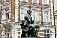 Monument by Fritz Schaper, GOTTHOLD EPHRAIM LESSING, 1729_1781, built in 1881, Gaensemarket square, Hamburg, Germany, Europe