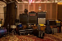 Musical instruments and audio equipment in a sound studio (thumbnail)