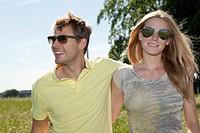 Germany, North Rhine Westphalia, Duesseldorf, Couple smiling, close up