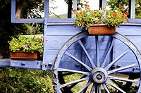 Old wagon and wagon wheel, Dordogne, Aquitaine, France