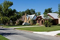 Oklahoma City, Oklahoma, USA  Crestwood, a Middle Class Neighborhood  Northwest 19th  Street  These homes were built before World War II