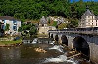 Brantome, Saint Pierre Benedictine Abbey, Dordogne, Perigord, River Dronne, France, Europe