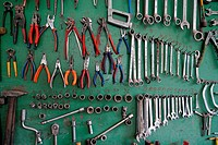 tools NIKON D80, 2.6.2007, 1/40 at f/2.8, ISO 320, white balance: Auto, focal length: 18 mm