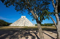 Mexico, Yucatan state, Chichen Itza archeological site, World heritage of UNESCO, Pyramide El Castillo, Temple of Kukulcan, ancient mayan ruins