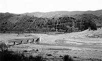 italia, basilicata, comunità montana camastra, ponte di attraversamento dell´acquedotto pugliese sul torrente sauro, 1920 1930
