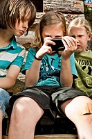 Children with smartphone