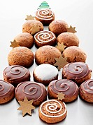 Spiced Silesian biscuits arranged in a Christmas tree shaped