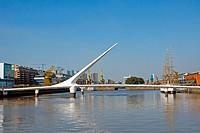 Die Puente de la mujer in Buenos Aires