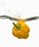yellow bell pepper splashing