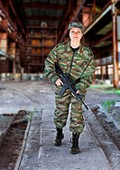 ESY-005117118 A woman in military operation